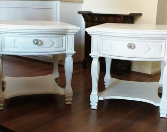Pair of White Thomasville End Tables, Nightstands
