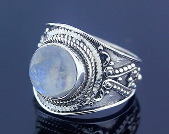 Moonstone Ring - 925 Sterling Silver - US Size 6.5
