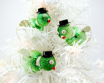 Vintage Glass Bird Christmas Ornaments 1960s Bumpy Glass Google Eye Bird Decorations Glass Glitter Wings Japan Green