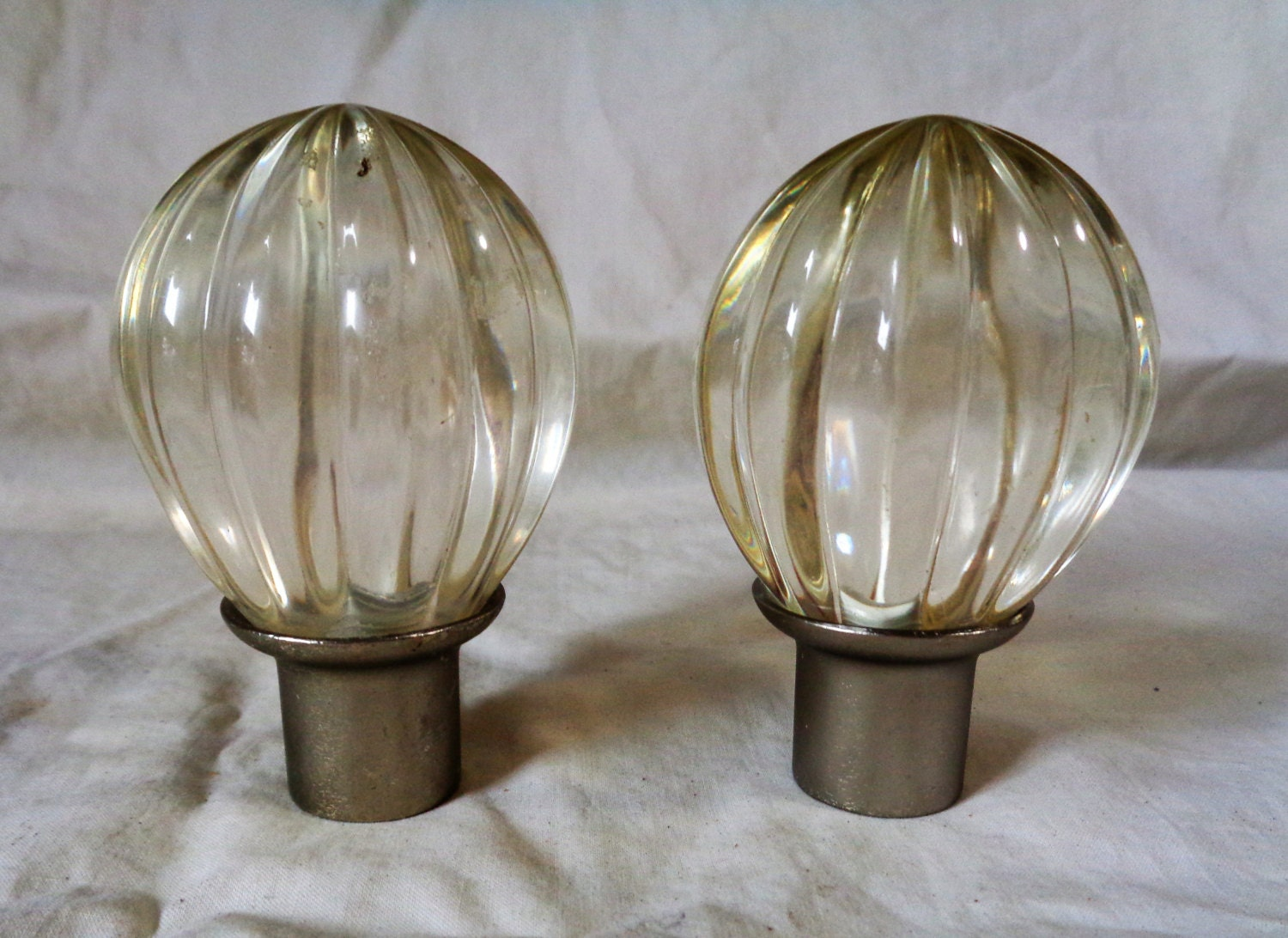 Set Of 2 Vintage Glass Curtain Rod Ends Or Finials