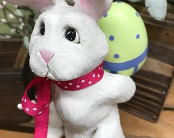Easter Bunny Sculpture, Easter Bunny, Easter Decoration, Bunny with Egg, Easter, Rabbit, Grey Easter Bunny