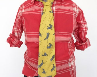 Wolves Flannel Necktie in Gold