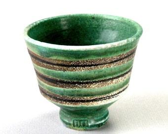 JEFF OESTREICH Hand Thrown Studio Pottery 3in Tea Cup Green Grey Stripe Glaze MN Potter Mingeisota Artist Chop Sign Yunomi Chawan Kodai Foot