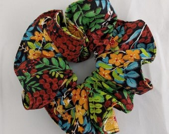 Silk hair scrunchie tie made with vintage kimono silk - floral pattern