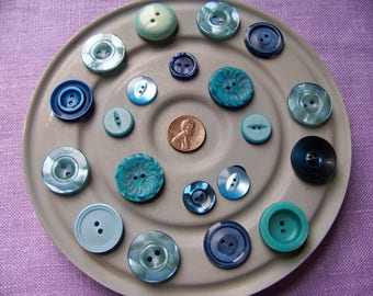 Lot of 20 Vintage Plastic Buttons Shades of Blue