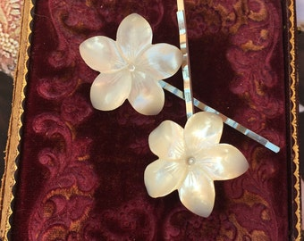 Decorative Hair Pins Vintage Tropical Bride Wedding MOP Mother Pearl Plumaria 1940 1950 Hair Bobby Pins