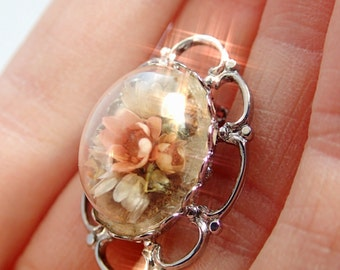FREE Shipping Vintage Tiny Dried Flowers Under Glass Dome Brooch Pin Lapel Real Miniature Mourning Funeral Bridal Wedding Bride Bouquet Pink