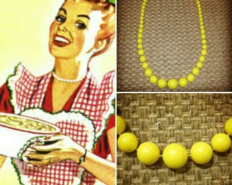 Vintage Graduated Bead Necklace Pinup Rockabilly