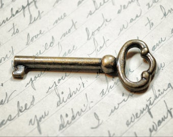 Antique Skeleton Key - Vintage Key - Old Bronze Key - Steampunk