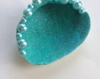 Sea Shell Ring Dish, Clam Shell Ring Holder, Sea Shell Jewelry Dish, Ring Dish Holder, Clam Shell Jewelry Dish, Bridal Shower Gift