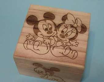 Mickey & Minnie Mouse Etched wood Gender-Reveal Box