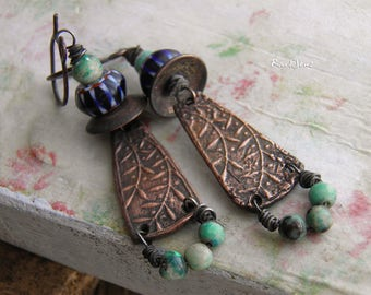 Bohemian earrings-rustic earrings-ethnic earrings-vintage Asian style-organic-nature look-copper pendant-turquoise-navy blue