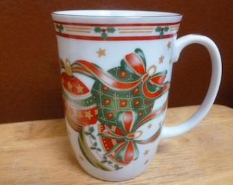 Otagiri Holiday Ornaments mug