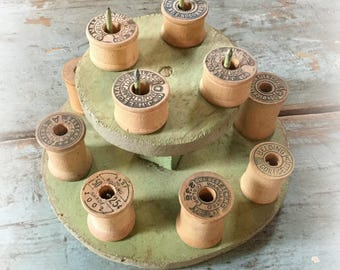 vintage thread rack / wooden thread minder / thread spool holder / wooden thread rack / vintage sewing notions / bobbin rack / vintage green