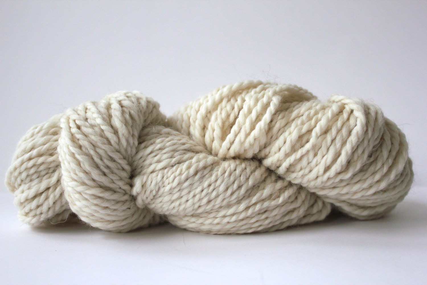 Hand Knitting Yarns : Ivory color alpaca merino bulky weight hand knitting yarn