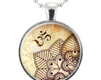 Om Necklace, Henna Design Yoga Jewelry, Om Charm, Silver Plate (0451S25MMBC)