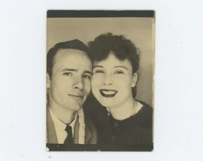 Vintage Arcade or Photo Booth, c1940s: Sweetheart Couple (611515 )