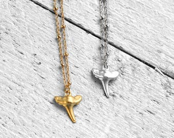 TINY TOOTH necklace with shark tooth | silver