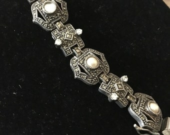 Vintage jeselry Estate marcasite 7 inches good lock 925 with pearl bracelet