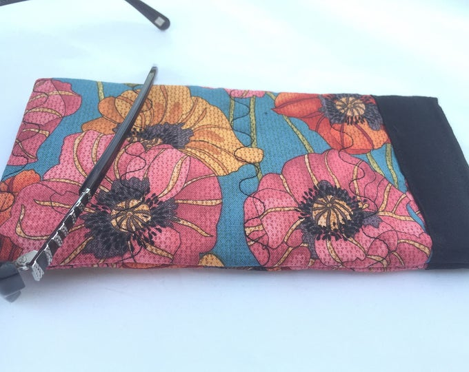Pinch Open Sunglass Case, Padded Glasses Case, Easy Open/Close Sunglasses Case, Poppies