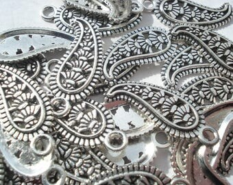 28mm Zinc Metal Alloy Charms, Antique Silver Carved Pattern Pendants, Pack of 6 Chili Charms C47