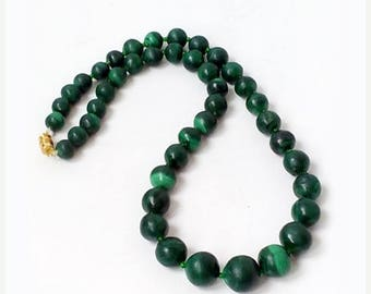 SALE Vintage Genuine malachite stone necklace , Genuine Malachite Bead Necklace .