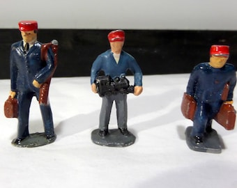 Britains/Barclay/JoHill Co - Lead Toy - Three Railroad Workers - Small Size