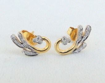 Fabulous 14 K Gold Diamond Gemstone Stud Earring Pair