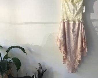 Womens Lemon and Pale pink Summer Dreaming Dress.Size 12 to 14.