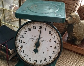 Vintage Farmhouse Kitchen Scale, Chippy Gorgeous Black and Hunter Green, Rustic Scale, Farmhouse Kitchen