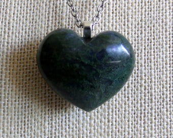 "Moss Agate Necklace / Heart Pendant Necklace / Earthy Green Stone / Heart Gift / Love / Moss Agate Heart - Dk Forest Green / Silver - 20"" +"