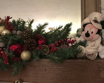 Disney Christmas, Victorian Christmas, Disney Christmas, Mickey and Minnie mouse Victorian, gold and burgundy