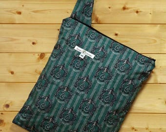 Cloth Diaper Wetbag, Harry Potter, Slytherin, Pail Liner, Diaper Bag, Day Care Size, Holds 5 Diapers, Size Medium with Handle item #M120