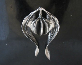 Large Unique Signed Clifton NICHOLSON Sterling Silver MODERNIST Abstract Flower PENDANT