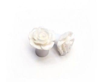SALE 6mm (2g) White Rose Ear Plugs