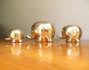 Vintage Brass Elephant Figurines, Elephant Family Statues, Gold Mid Century Modern Elephant Figurines, Polished Brass