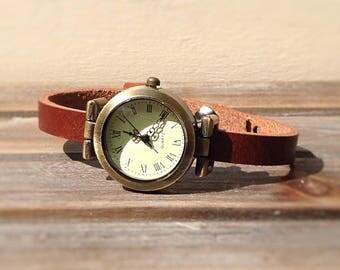 Leather wristwatch medium brown