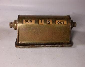 Calendar Vintage  Office Metal Perpetual Desk Calendar Revolving Number Paperweight.epsteam