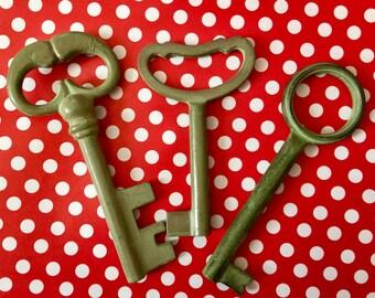Vintage Green Metal Decorative Keys Industrial Skeleton Keys