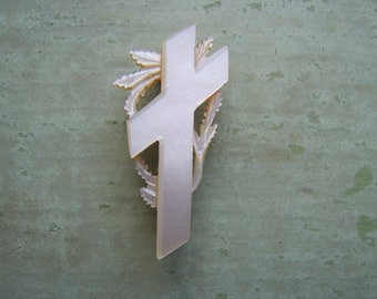 An Antique Mother Of Pearl/MOP Pin/Brooch - Cross & Laurel Leaf - Victorian.