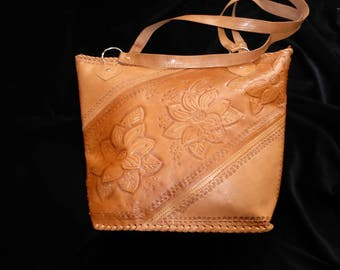Beautiful Vintage Leather Shoulder Bag Purse