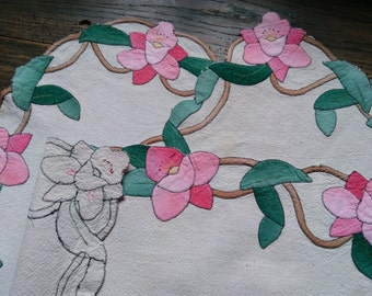 Vintage Applique Placemats and Matching Doily Set with Flowers Beige Metis linen and Pink Flowers  #sophieladydeparis