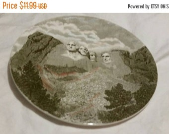 On Sale Mount Rushmore Souvenir 10.75 inch  Decorative Plate or Wall Decor by Johnson Brothers