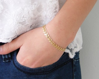 Laurel Bracelet ~ Gold Leaf Chain ~ Leaf Bracelet ~ Laurier ~ Chevron ~ Fishbone ~ Gift for Her ~ Simple Modern Jewelry