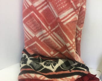 RESERVED / Vintage Camp Blanket / Red White Black / Beacon / Esmond / Satin Binding / Cotton Blanket / Stadium Blanket / Wall Hanging