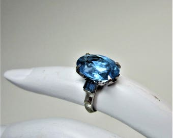 Vintage sterling and blue rhinestone ring size