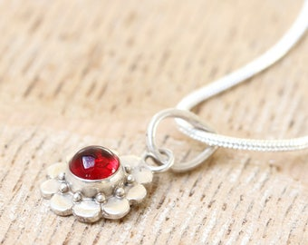 Dainty Bali Silver Pendant, Mini Silver Pendant with Crystal, Daisy Silver Pendant, Flower Silver Pendant - FREE UK DELIVERY