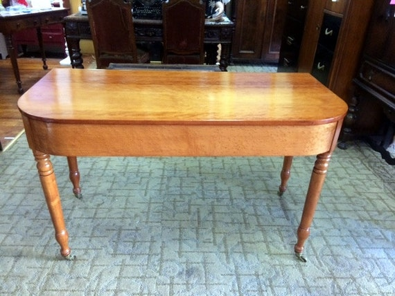 Console table beautiful vintage table