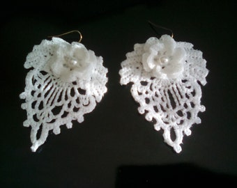 Bridal  Earrings Stunning Irish Crochet Lace in white with pearl