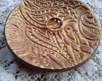 Terracotta and gold polymer clay trinket dish, jewelry/jewellery dish, handmade, clay dish, housewarming gift, jewellery storage, coin dish